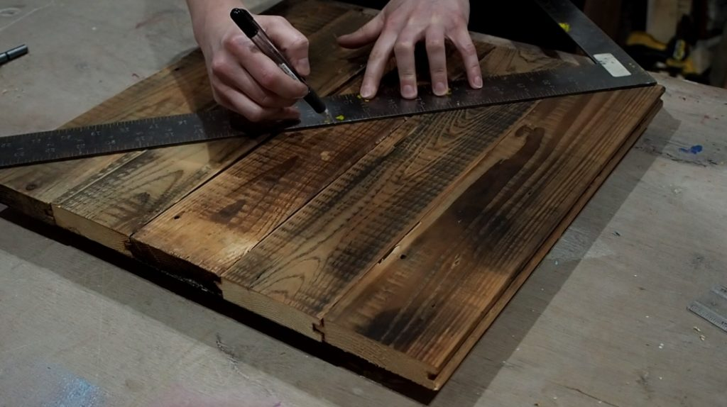 reclaimed pallet wood clock