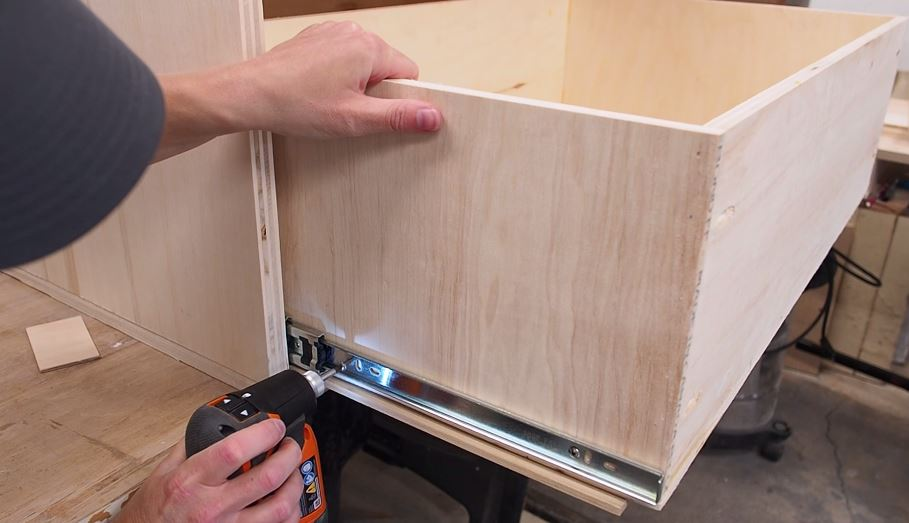 Router cabinet diy router table build diy montreal router cabinet attach drawer slides to drawer box keyboard keysfo Images